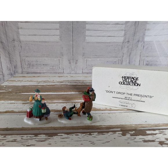 Dept 56 55328 don't drop the presents heritage vil